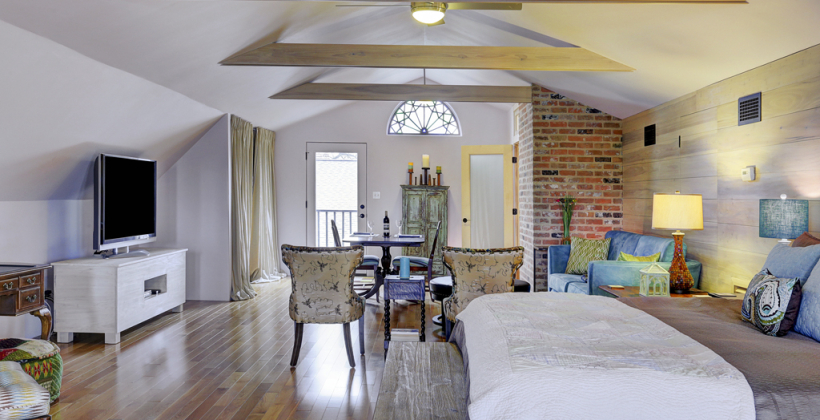 Empty-Nester-Retreat-Vaulted-Ceiling-820x420.jpg