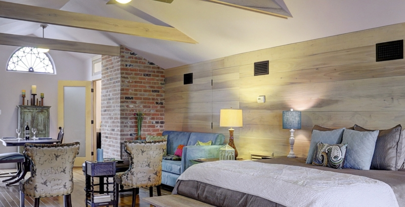 Empty-Nester-Retreat-Wood-Wall-820x420.jpg