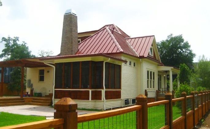 Houston-Heights-New-Screen-Porch-685x420.jpg