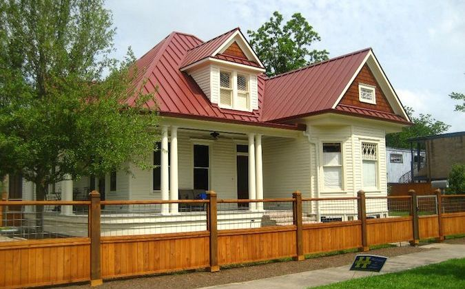 Houston-Heights-Queen-Ann-Victorian-675x420.jpg