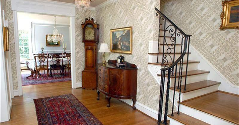 River-Oaks-Brentwood-Residence-Entry-Stair-800x420.jpg