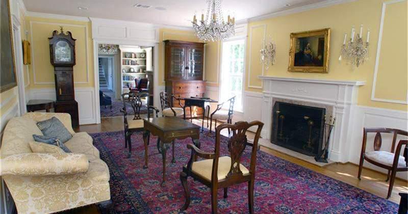 River-Oaks-Brentwood-Residence-Living-Room-800x420.jpg