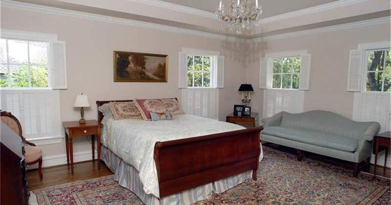 River-Oaks-Brentwood-Residence-Master-Bedroom-800x420.jpg