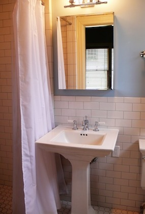 Riverside-Terrace-Bathroom-Renovation-Remodel-285x420.jpg