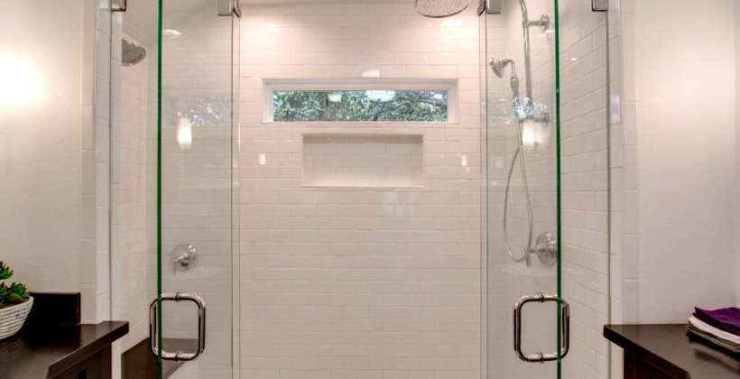 West-University-Frameless-Shower1-820x420.jpg